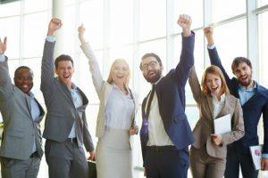 Calidad de vida laboral: equipo de trabajo feliz